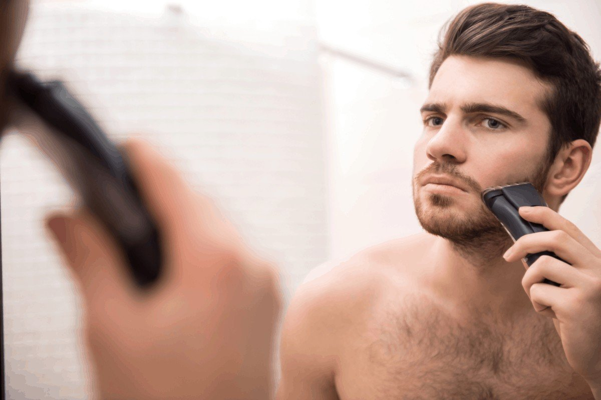 How to choose the best electric razor for first time shavers
