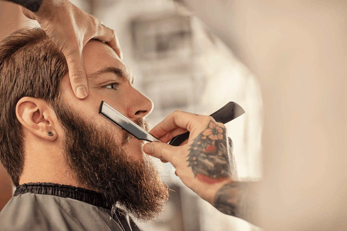 How to choose the best straight razor for barbers