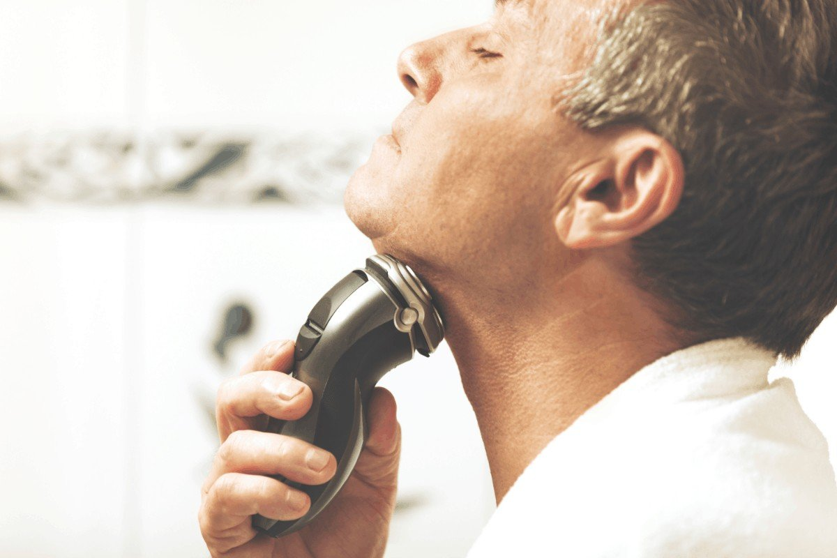 How to choose the best electric razor for tough beard