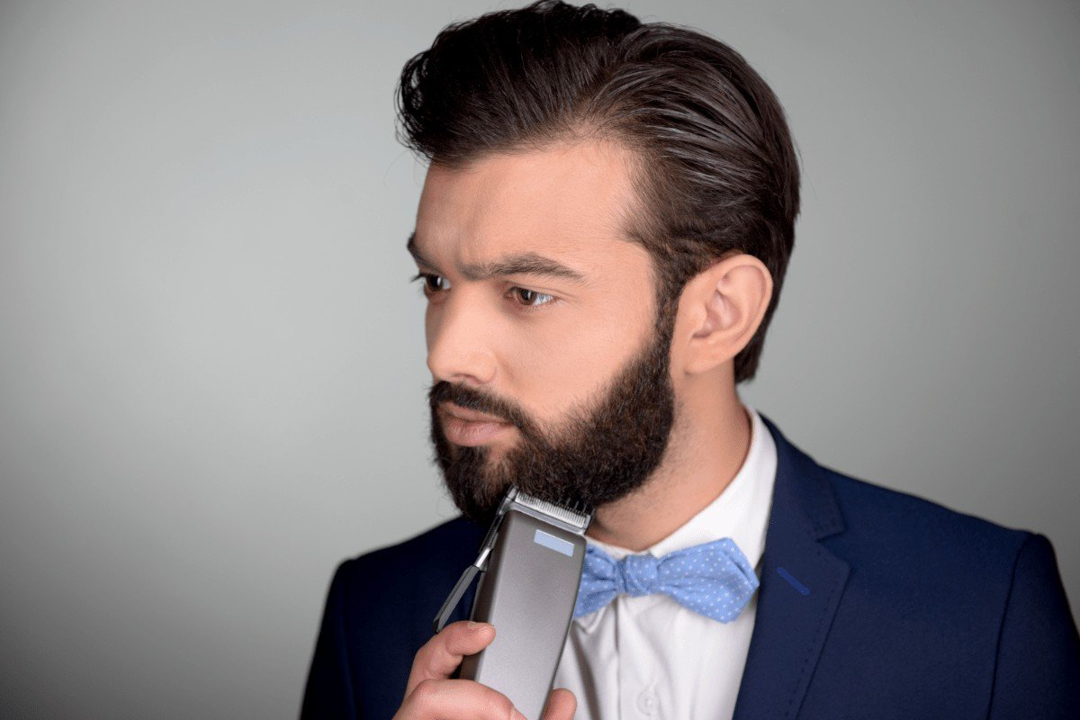 How to choose the best electric shaver for thick beard