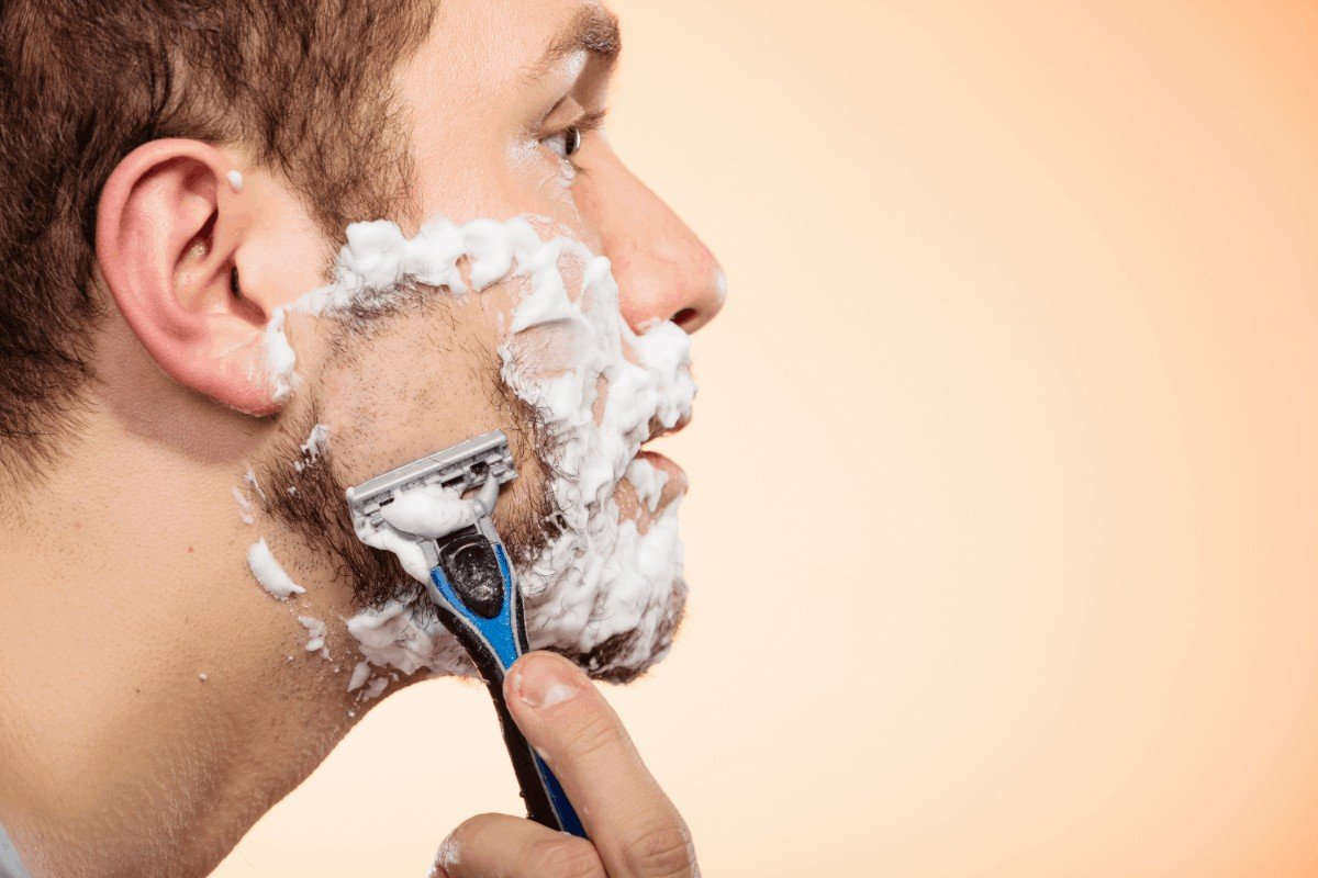 How to choose the best shaving cream for razor bumps