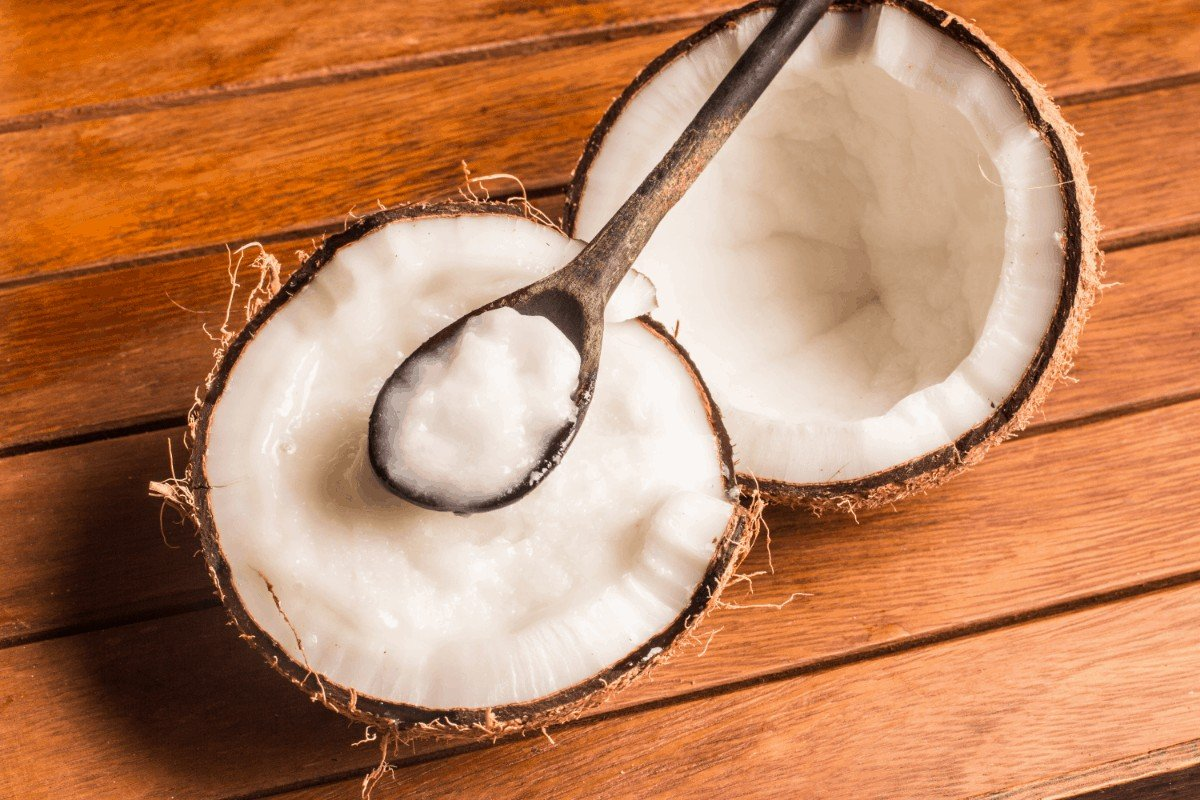 How to use coconut oil for beard dandruff
