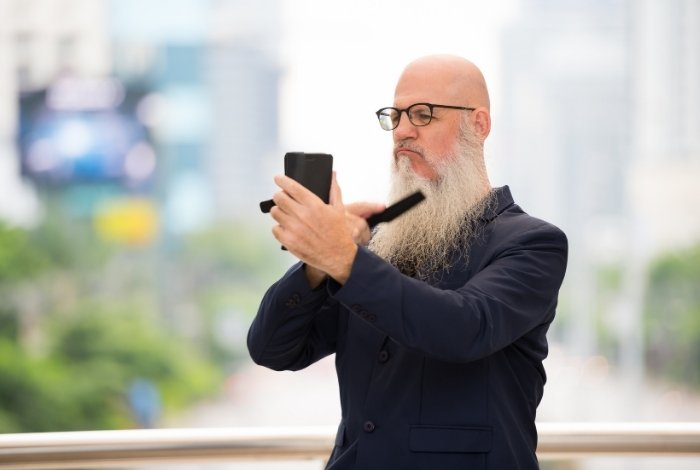 How Does Brushing your Beard Make it Grow